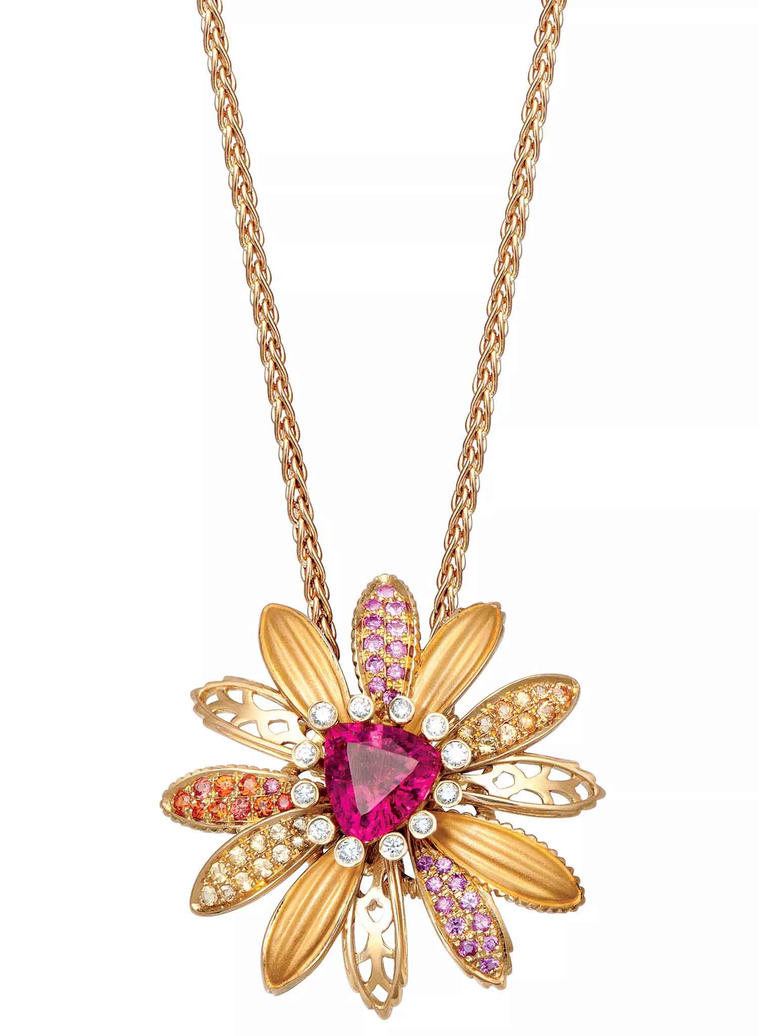 Necklace in 18k gold with 1.95 ct. pink tourmaline