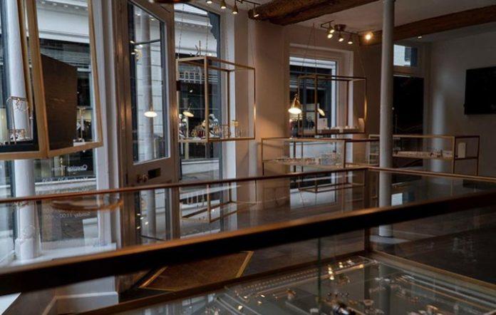 New jeweller opens store on Nottingham's Bridlesmith Gate
