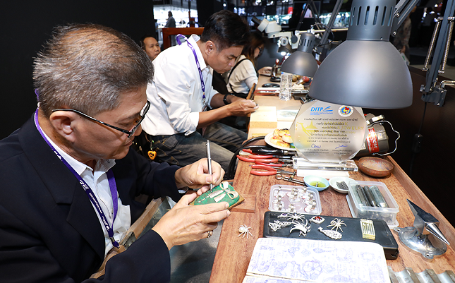 the Thai gems and jewelry industry