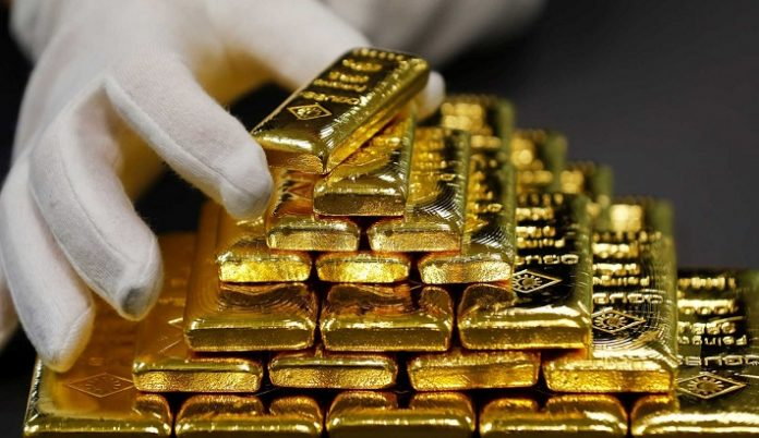 Gold dips as equities gain ahead of Fed policy meeting