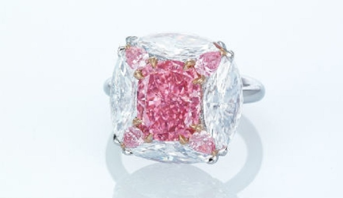 fancy vivid purplish pink diamond ring