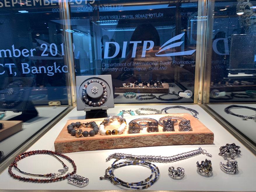U.S. buyers increasingly turn to handcrafted gem-set Thai jewelry