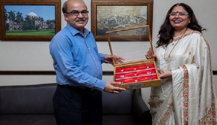 GIA India Presents Unique Gift of Replicas of Famous Diamonds to Mumbai Museum