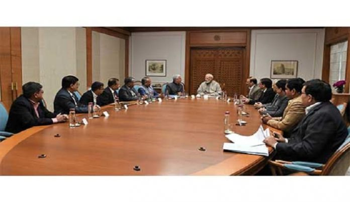 Hon'ble PM Shri Narendra Modi Meets Trade Delegation from Surat; GJEPC Regional Chairman Highlights Sectoral Issues