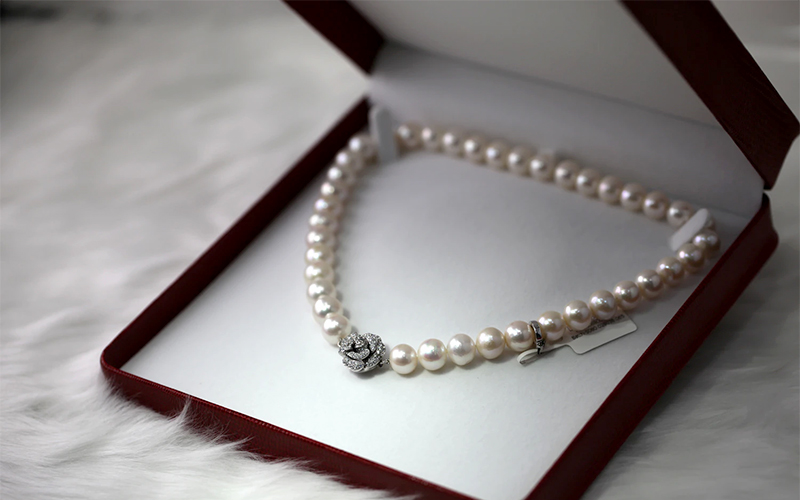 classic white pearl necklace