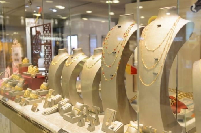 Hong Kong Jewelry Sales Hit by Covid and Late New Year