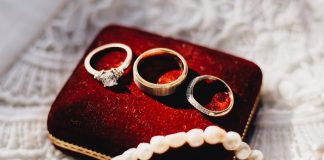 Expert reveals 5 reasons you should be buying pre-owned jewellery in 2021