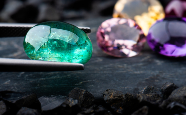Big Name Jewelers Sign up to Gemstone Traceability