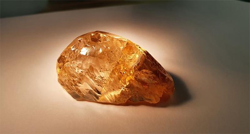 236 carat alrosa colored diamond rough