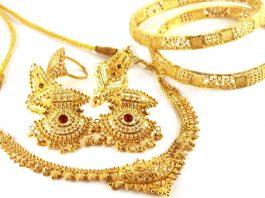 Desperate Indians Default on Doorstep Gold Loans