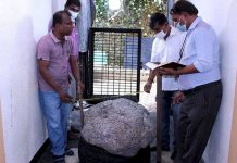 World's Largest Sapphire Cluster - 2.5m carats - Found in Gem Trader's Back Yard