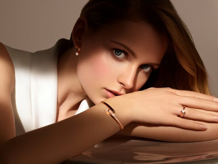 De Beers Forevermark launches the 'Forevermark Avaanti™' collection